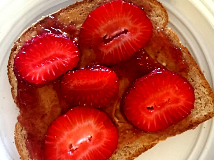 PB-and-strawberry-preserves-with-fresh-sliced-strawberries-1